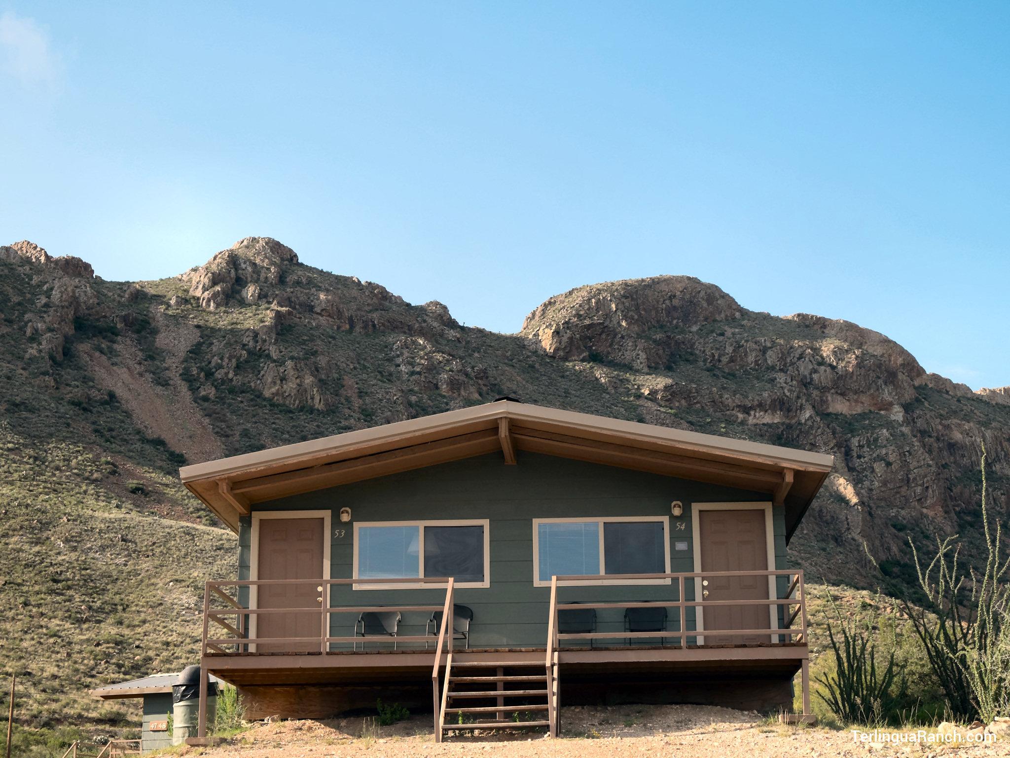 Big bend cabins cozy clean quiet rooms shared decks for Bend cabin rentals